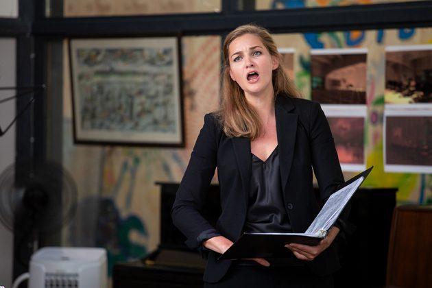 Sopraan Veerle Sanders vertolkt Clara Schumann bij Domestica Rotterdam © Hélène van Domburg Fotografie