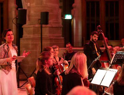 Kristin van der Voort speelt Lucrezia Borgia met Domestica Rotterdam © Hélène van Domburg Fotografie